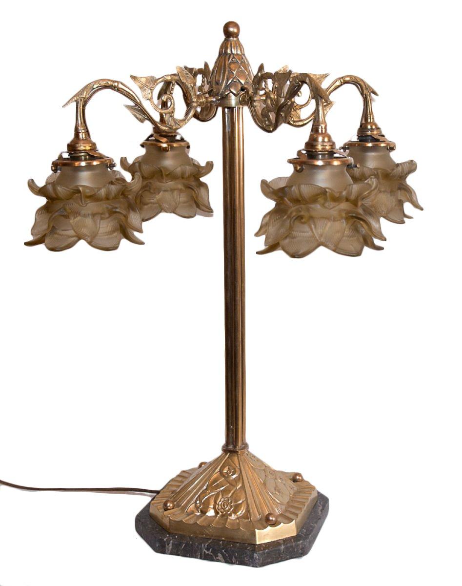 grande lampe de salon solutions pour la d coration int rieure de votre maison. Black Bedroom Furniture Sets. Home Design Ideas
