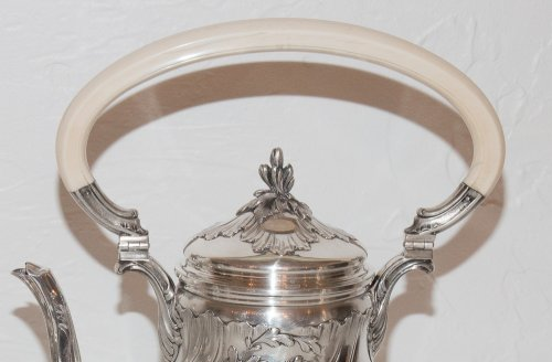 - French sterling Silver tea service by Silversmith Émile Puiforcat (1857-1927)