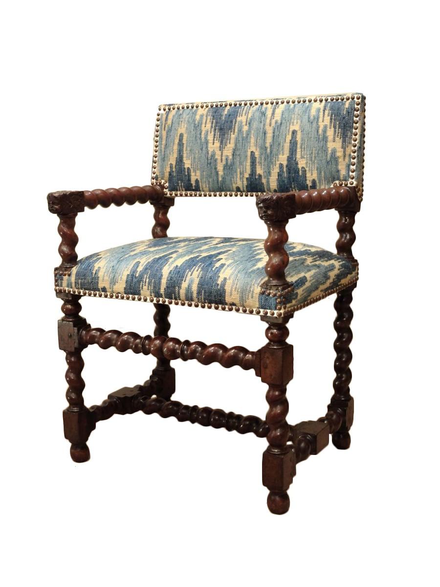 chaise bras d 39 poque louis xiii aux t tes d 39 anges. Black Bedroom Furniture Sets. Home Design Ideas
