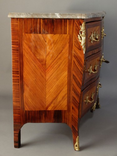 Furniture  - Small Parisian chest of drawers, Louis XV period