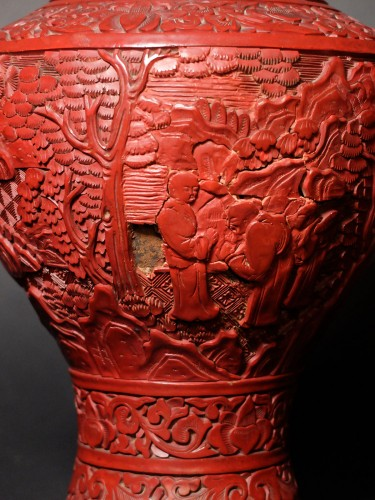 Pair of Chinese vases in cinnabar lacquer - 19th century -