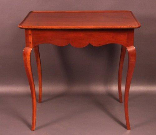 "18th century - Bordelaise table called ""cabaret"" Cuban mahogany antique eighteenth"