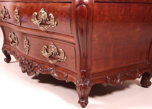 "Louis XV - 18th century speckled Cuban mahogany Commode ""scribanne"", Bordeaux France"