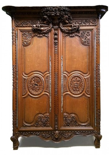 Armoire ancienne antiquit s anticstore - Armoire normande de mariage ...
