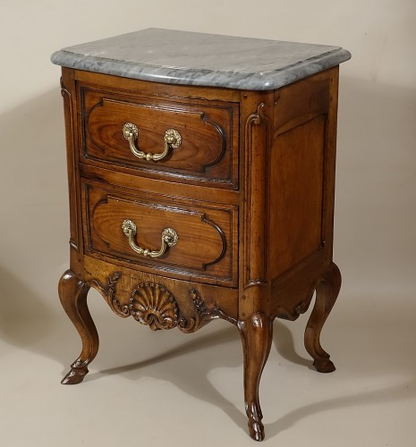 "Furniture  - Small curved front commode ""d'entre-deux"""
