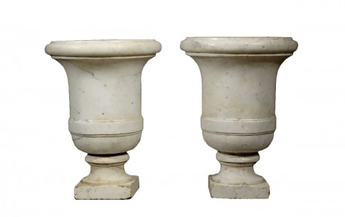 Pair of Carrara marble vases from the Empire period