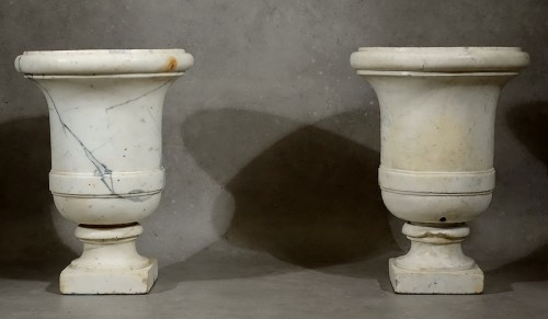 Decorative Objects  - Pair of Carrara marble vases from the Empire period