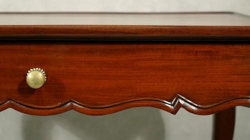 18th century - Louis XV cabaret table in solid mahogany - Bordeaux XVIIIth
