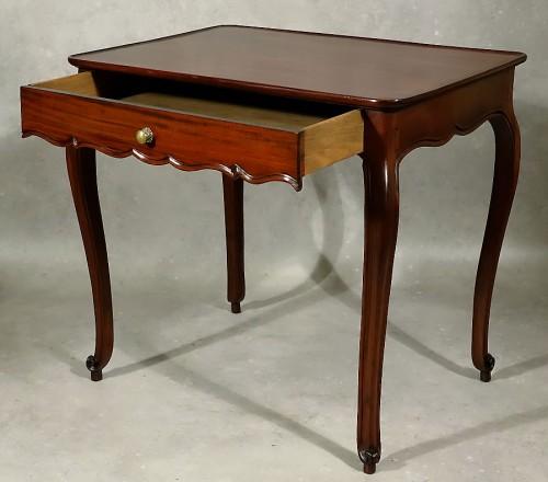 Louis XV cabaret table in solid mahogany - Bordeaux XVIIIth - Louis XV