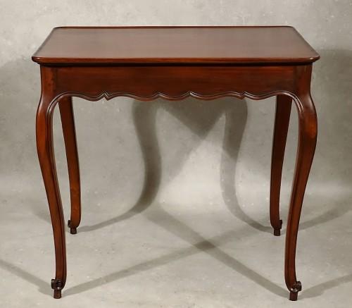 Antiquités - Louis XV cabaret table in solid mahogany - Bordeaux XVIIIth