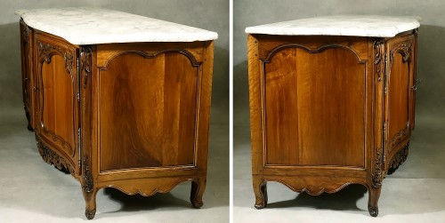 French Buffet de chasse, curved all sides - Aix-en-Provence 18th century -