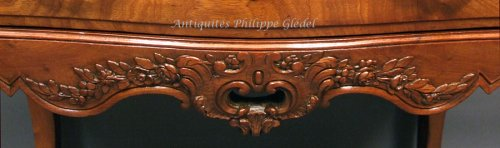 "Rare small Louis XV ""commode de port"" - Bordeaux 18th - Furniture Style Louis XV"