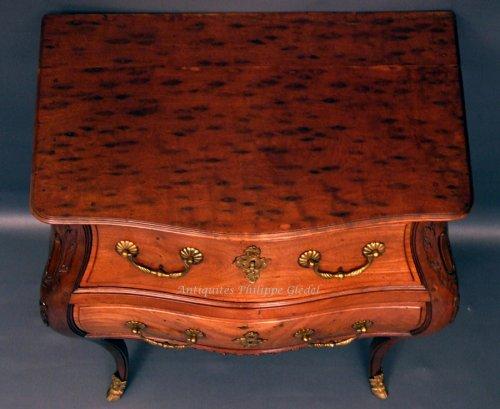 """Furniture  - Rare small Louis XV """"commode de port"""" - Bordeaux 18th"""