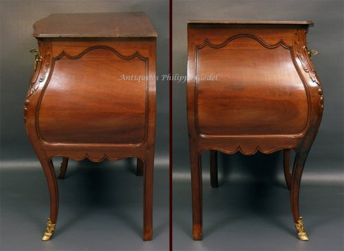 """18th century - Rare small Louis XV """"commode de port"""" - Bordeaux 18th"""