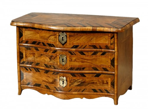 "Chest of drawers ""de maîtrise"" of the 18th century in Coromandel"