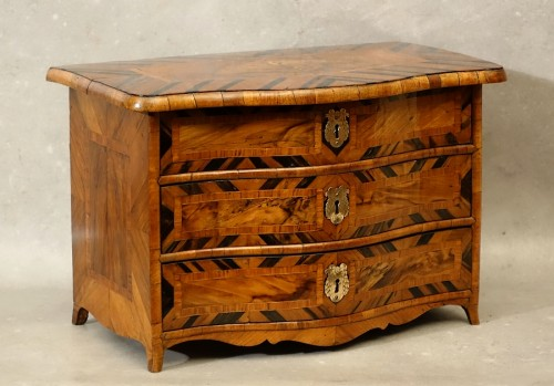 "Chest of drawers ""de maîtrise"" of the 18th century in Coromandel -"