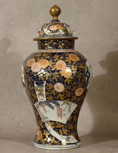 Large lided vase - Japan late 17th century - Porcelain & Faience Style