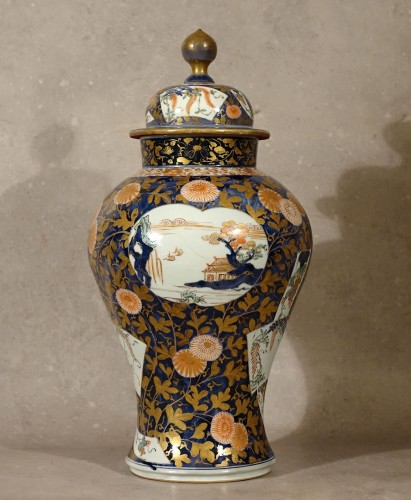 Porcelain & Faience  - Large lided vase - Japan late 17th century