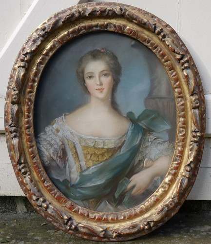 Portrait of a young woman - Pastel and its 18th century frame - Paintings & Drawings Style