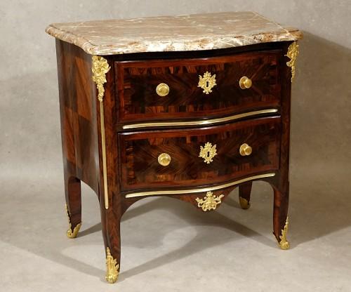 "Commode ""d'entre deux"" Régence - Furniture Style French Regence"