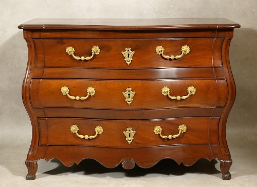 Mahogany chest of drawers - La Rochelle 18th century - Furniture Style Louis XV