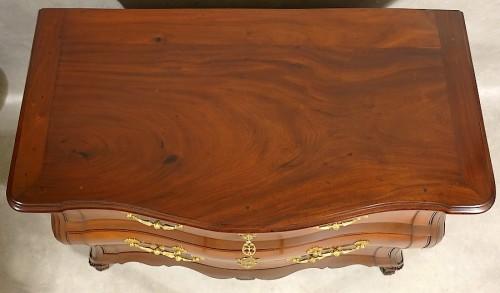 Louis XV - Mahogany chest of drawers - La Rochelle 18th century