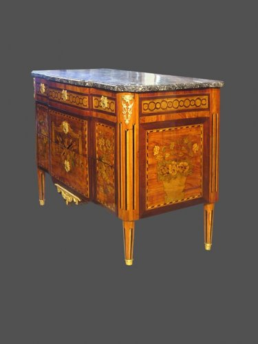 Louis XVI period chest of drawers - Furniture Style Louis XVI
