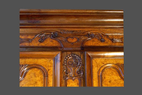 A French provincial (Bresse) armoire - Furniture Style