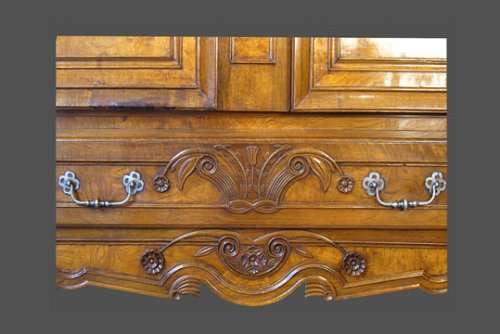 19th century - A French provincial (Bresse) armoire