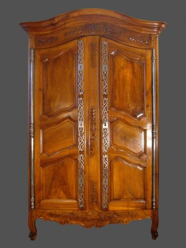 Provence armoire late 18th early 19h centuury