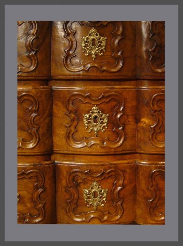 18th century chest of drawers - Furniture Style Louis XV