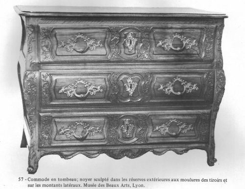 18th century chest of drawers, lyons  - Furniture Style Louis XV