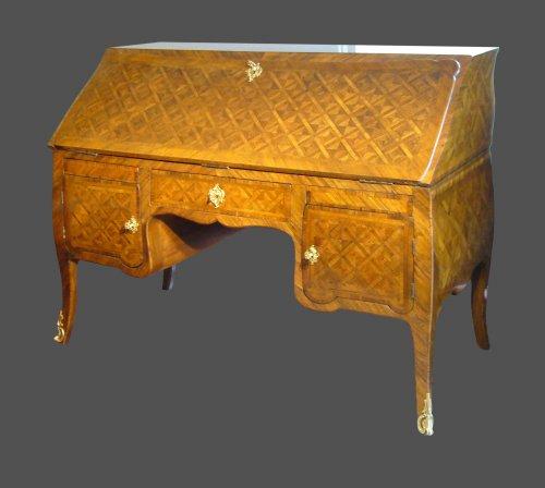 Louis XV Desk - Furniture Style Louis XV