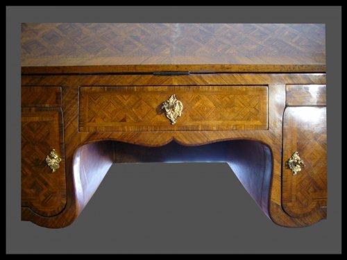 18th century - Louis XV Desk