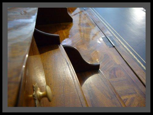 Antiquités - Louis XV Desk