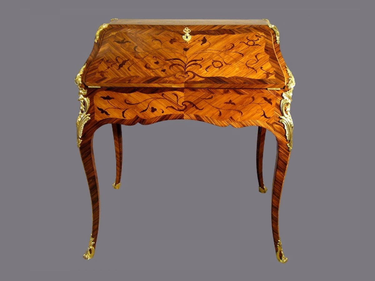 bureau de pente estampill petit et carel d 39 poque louis xv xviiie si cle. Black Bedroom Furniture Sets. Home Design Ideas