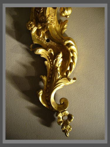 18th century - A pair of Regence ormolu two-branch firgural wall-lights