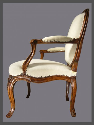 18th century - A pair of Louis XV violin-shaped Armchairs