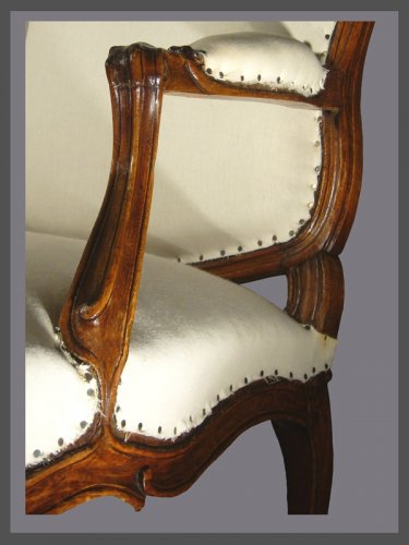 Antiquités - A pair of Louis XV violin-shaped Armchairs