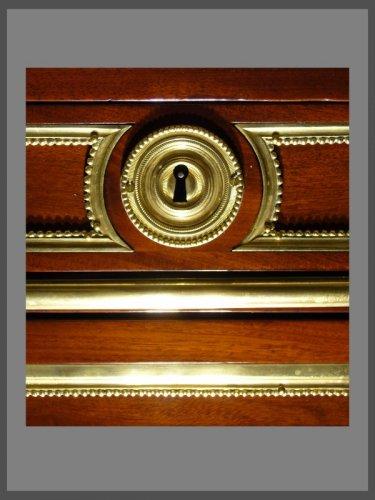 18th century - A Louis XVI ormolu-mounted mahogany commode
