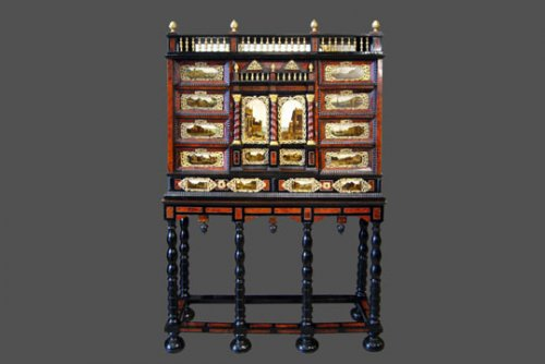 Cabinet, Work of the 17th century