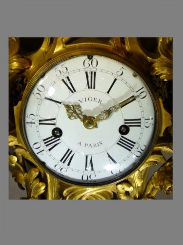 Ormolu-mounted Cartel Clock, Louis XV - Clocks Style Louis XV