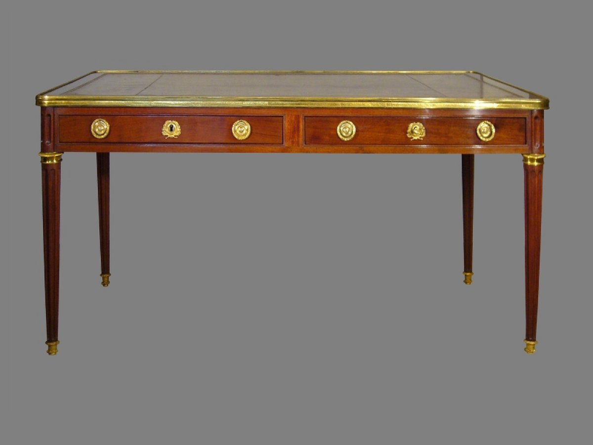 French louis xvi bureau stamped by etienne avril for Bureau louis xvi