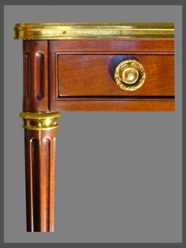 French Louis XVI Bureau stamped by Etienne AVRIL - Furniture Style Louis XVI