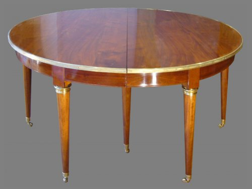 18th Century  dining Table by Georges JACOB