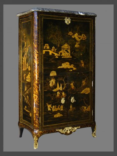 Antiquités - A Louis XV Chinese lacquer Secretaire