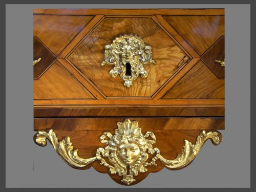 A French Louis XIV Period Commode, attributed to Thomas HACHE - Louis XIV