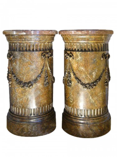 Pair of semi circular columns