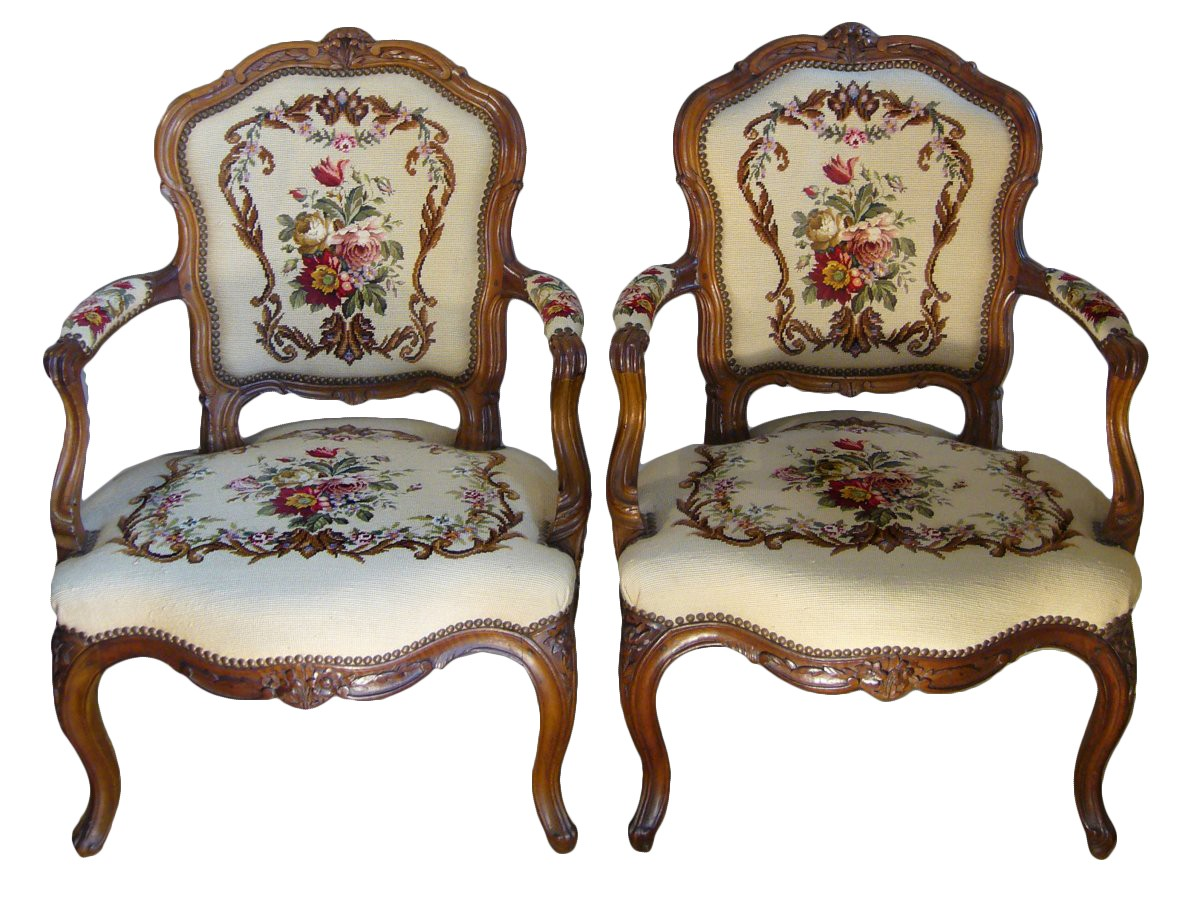 paire de fauteuils cabriolet d 39 poque louis xv par pierre nogaret xviiie si cle. Black Bedroom Furniture Sets. Home Design Ideas