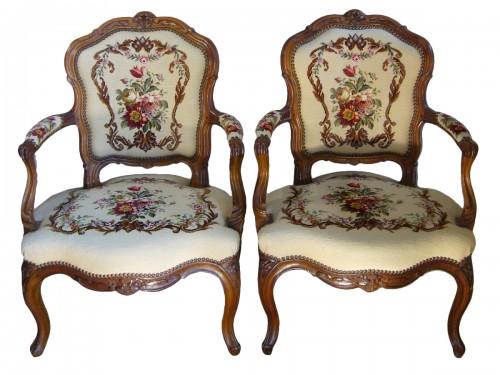 fauteuil en cabriolet ancien antiquit s anticstore. Black Bedroom Furniture Sets. Home Design Ideas